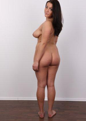 Девушка побрилась специально перед важным кастингом на роль в эротической картине - фото 14