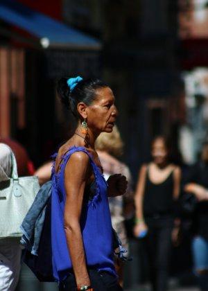 Зрелые женщины показывают, что они следят за модой и знают, как выглядеть эффектно всегда - фото 3