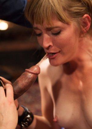 Оуен Грей имеет кучу девчонок для воплощения своих сексуальных желаний - фото 8