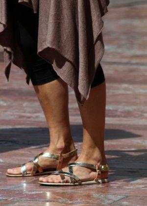 Зрелые женщины показывают, что они следят за модой и знают, как выглядеть эффектно всегда - фото 12