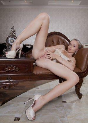 Милена показывает свое обалденное тело, принимая самые откровенные позы - фото 13- фото 13- фото 13