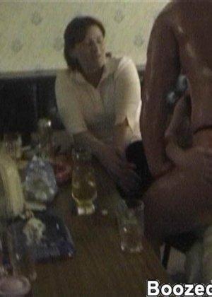 Мужики в клубах дают в ротик своим неописуемо красивым телкам - фото 4