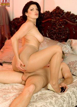 Эрин Маркс – опытная мадам с пышным телом, которая знает, как хорошо возбудить мужчину - фото 15