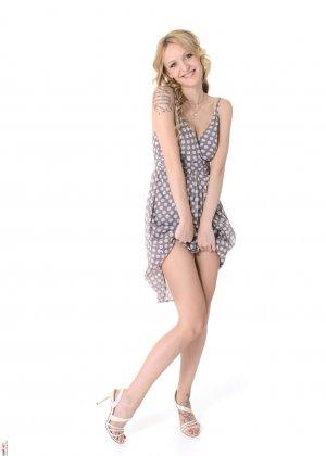 Бэлль Клэр обнажается и восхищает своей красивой фигурой – она по-настоящему идеальна - фото 2
