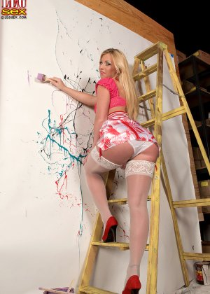 Девушка готова участвовать в ремонте - фото 2- фото 2- фото 2