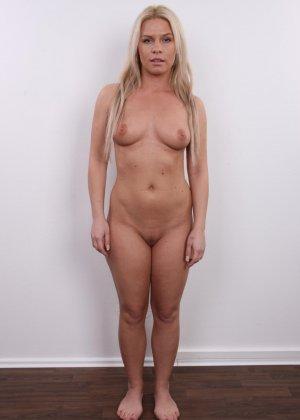 Девушка показывает свое тело - фото 10- фото 10- фото 10