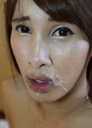 Тайская хрупкая девушка оказывается бывшим мужчиной с большим членом, который быстро встает - фото 11