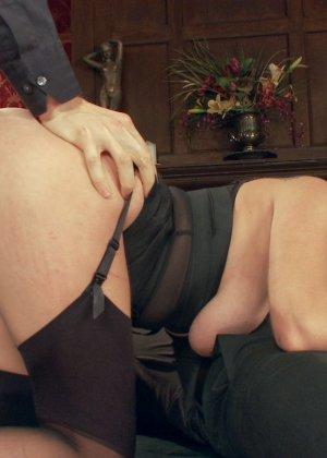 Эшли Грэхем принимает участие в сумасшедшей оргии, которая проходит на высшем уровне - фото 10
