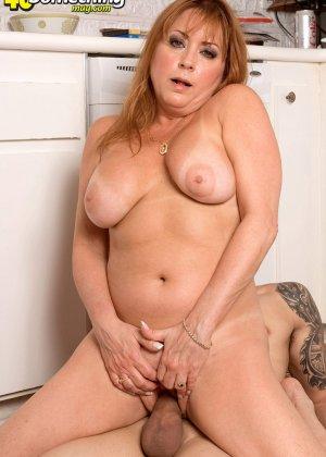 Джиджи Джевелс – опытная мадам с пышным телом, которая с удовольствием принимает в себя мужской член - фото 6