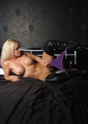 Эротичная блондинка показывает свое восхитительное тело - фото 6- фото 6- фото 6