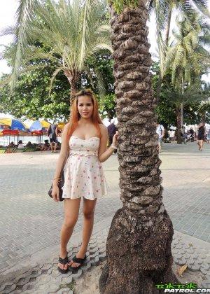 Беременная тайская девушка с большими коричневыми сосками - фото 1