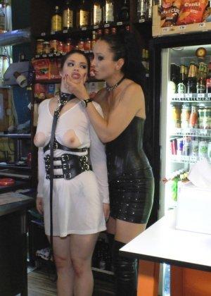 У фетишистов есть любимое кафе, где они могут заниматься всем, чем захотят - фото 12