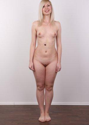 Кастинг с привлекательной блондинистой девушкой - фото 9