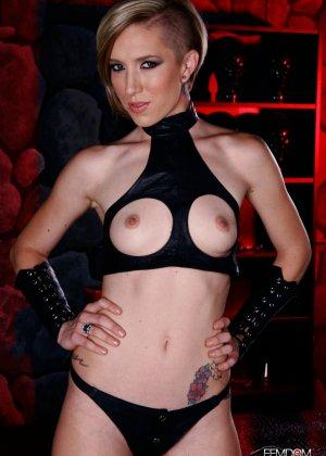 Майя Дэвис обличается в сексуальный наряд и показывает свое красивое тело всем мужчинам - фото 4