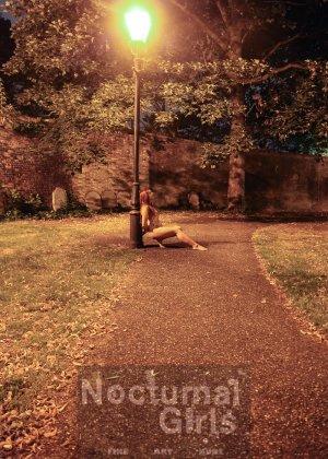 Изабель Дин – девушка без комплексов, поэтому показывает свои прелести прямо на фоне ночного города - фото 2