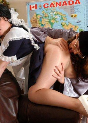 Лесбиянки тоже любят ролевые игры, в этот раз они решили поиграть в развратныхх студенток - фото 7