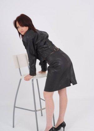 Как раздеть женщину глазами, знают немногие, но не стоит расстраиваться, есть телки, которые раздеваются сами - фото 6