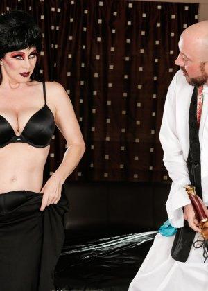 Экстравагантная дамочка доставляет удовольствие мужчина, применяя свой опыт и лучшие умения - фото 5