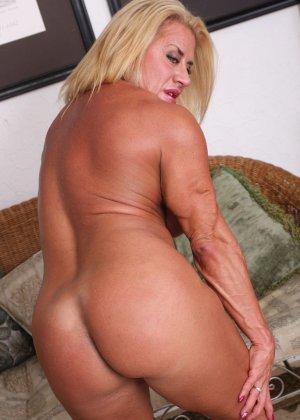 Женщина-бодибилдерша очень напоминает внешне мужчину, но всё же ее нутро говорит о женственности - фото 19