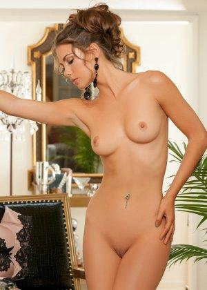 Джиа Рэмей Джей снимает с себя красивое белье и показывает восхитительное тело - фото 11