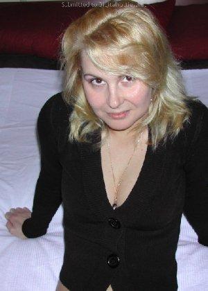 Опытная блондинка показывает свои сексуальные ножки для своего друга - фото 24- фото 24- фото 24