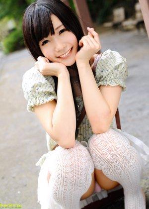 Прекрасная японская девушка занимается анальным сексом с молодым перцем - фото 2