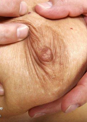 Ванда готова показывать себя со всех сторон перед опытным гинекологом, лишь бы он ее трогал - фото 4