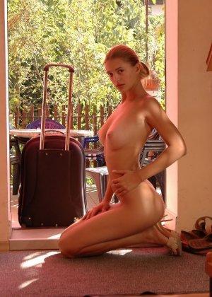 Голая худая девушка Виктория - фото 14
