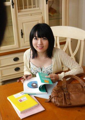 Девушку с азиатской внешностью делят между собой несколько мужчин - фото 4- фото 4- фото 4