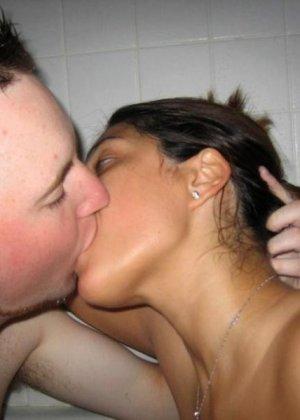 Любительское порно от симпатичной латинки, она сексуальна и красива, телка заведет каждого - фото 1