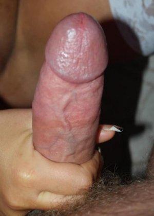 Любительская порнуха от блондинки, которая любит сосать пенис своего парня в укромном месте и сглатывать сперму - фото 5