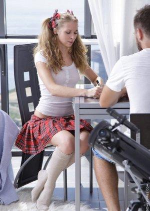 Русская студентка не пошла в универ, а протрахалась со своим парнем целый день - фото 1