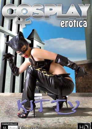 Все мечтали трахнуть женщину кошку, эта особа очень привлекательна и до безумия сексуальна - фото 2