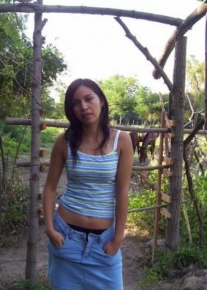 Брюнетка выкладывает фотографии на сайт знакомства, любительские порно фотки от симпатичной телки - фото 12