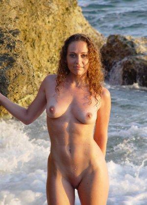 Девушки лесбиянки ласкают свои промежности и получают удовольствие - фото 24- фото 24- фото 24