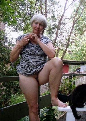 Фото зрелых девушек которые показывают свою промежность на фото - фото 14