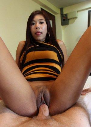 За большие деньги азиатская девушка согласилась на горячий анальный секс - фото 7