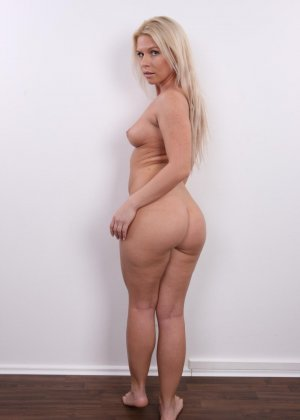 Девушка показывает свое тело - фото 14- фото 14- фото 14