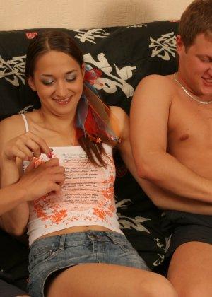 Русские развлекаются, пробуя секс втроем - фото 2- фото 2- фото 2
