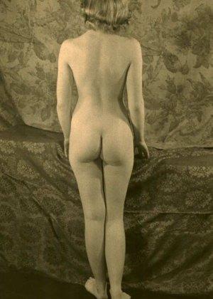 Очень старые фотографии показывают обнаженное тело женщины, которая не знала о существовании бритвы - фото 13