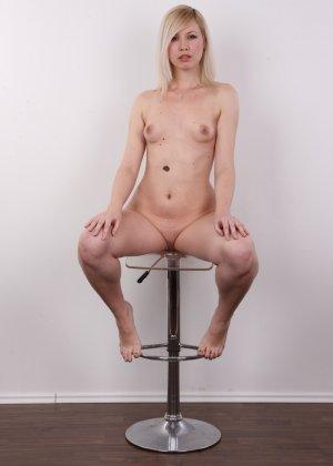 Кастинг с привлекательной блондинистой девушкой - фото 14