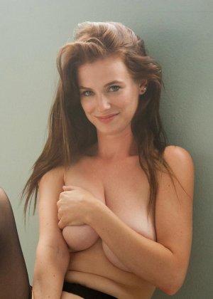 Эсси - шикарная красотка, которая подчеркивает эротическим бельем свою фигурку - фото 11