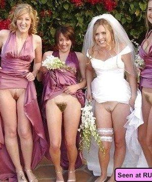 Нудистскими бывают даже свадьбы: и тут девки с удовольствием оголяют свои дойки и пезды - фото 3