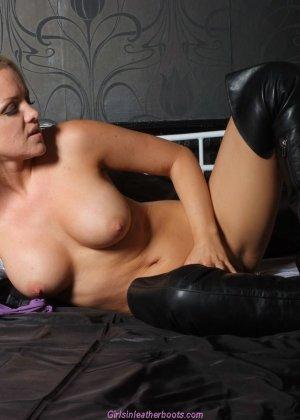 Эротичная блондинка показывает свое восхитительное тело - фото 7- фото 7- фото 7