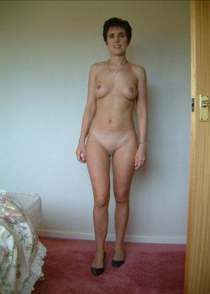 Сексуальная телка Люси с красивыми формами радует мужчин - фото 21