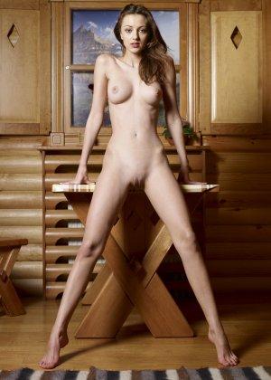 Красивые модели с классными фигурами показывают свои нежные попки - фото 27