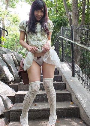 Прекрасная японская девушка занимается анальным сексом с молодым перцем - фото 4
