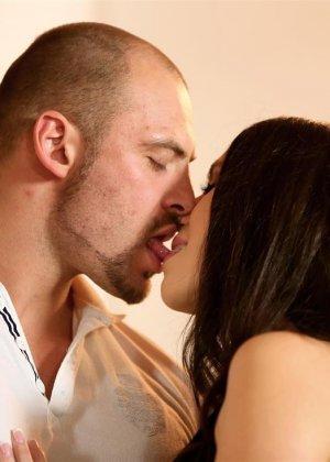 Парни целуются и лижут друг другу задницы, такие игры геев оценят только избранные - фото 2