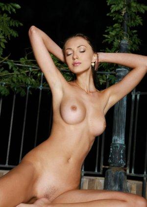 Подборка фото красивых обнаженных девушек которые хвастают своим телом - фото 37