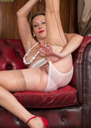 Зрелая женщина очень следит за собой, поэтому ее тело очень неплохо сохранилось – в этом можно убедиться с помощью фото - фото 9